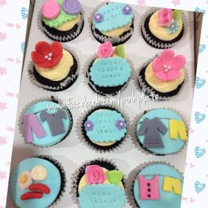 customized mothers day cupcakes